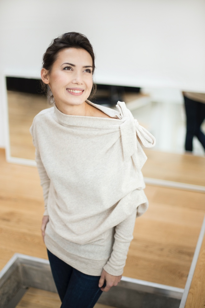 Cream sweater in wool BOW