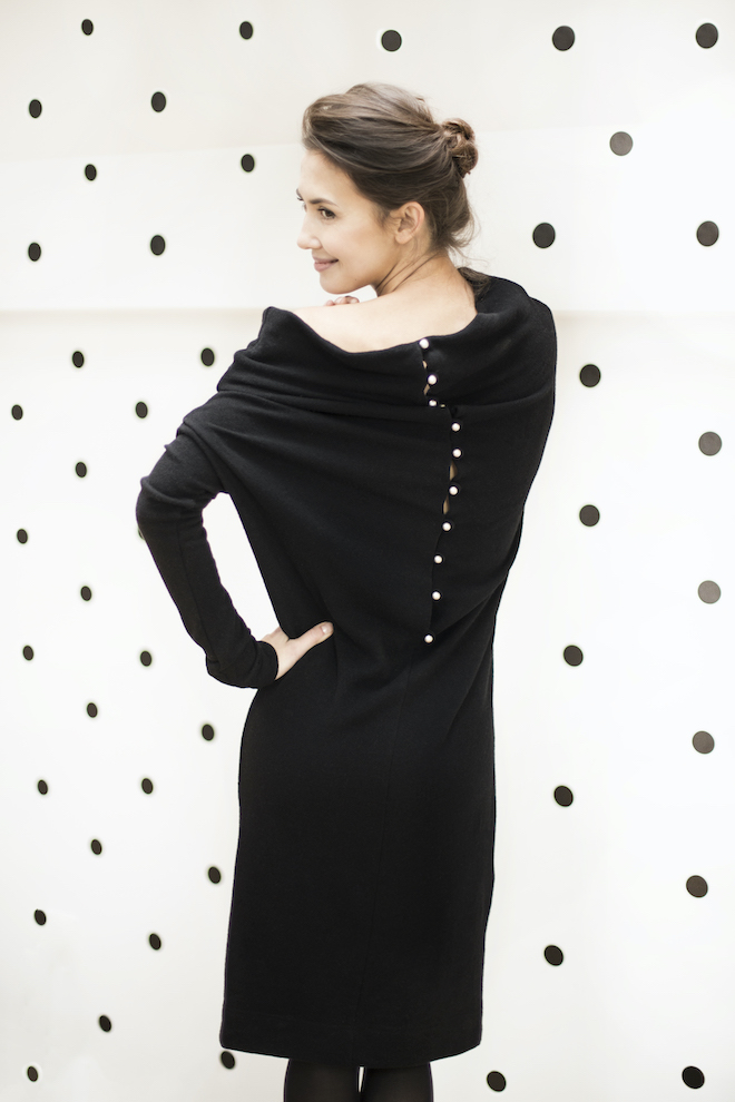 Wool sweater dress in black METALIC PEARLS