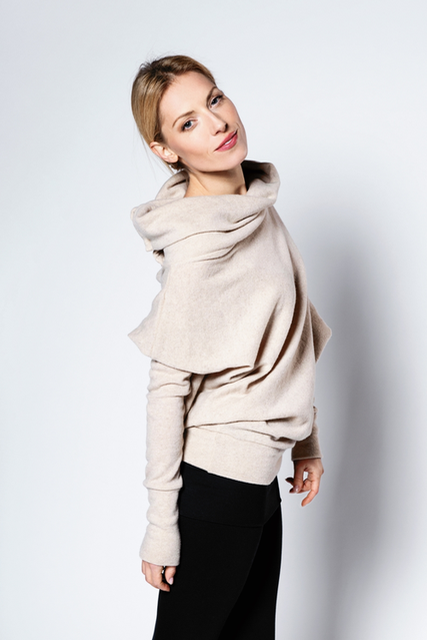 Asymmetrical sweater in cream with buttons ASYMMETRIC