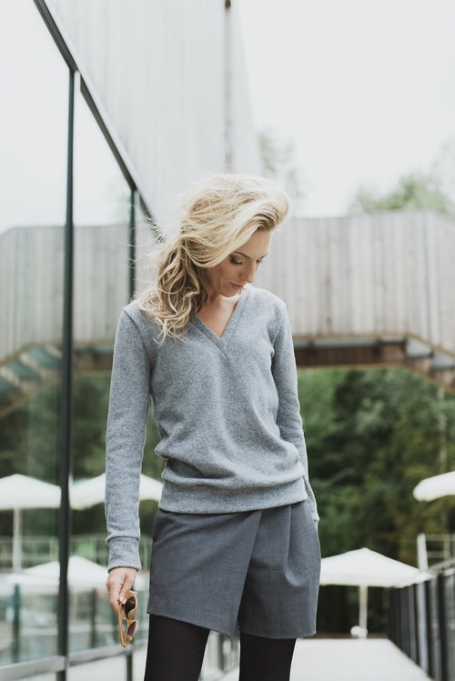Grey V neck sweater in wool VICTORIA
