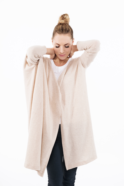 Oversized cardigan in beige wool WIDE