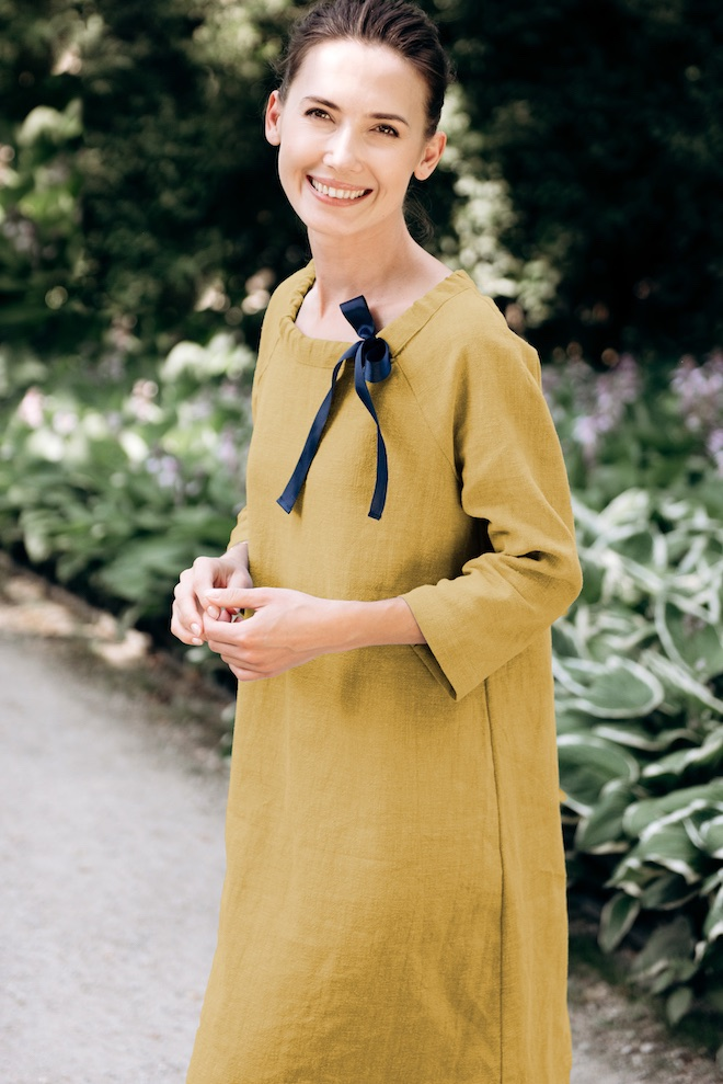Linen midi dress with sleeves in yellow FRENCH