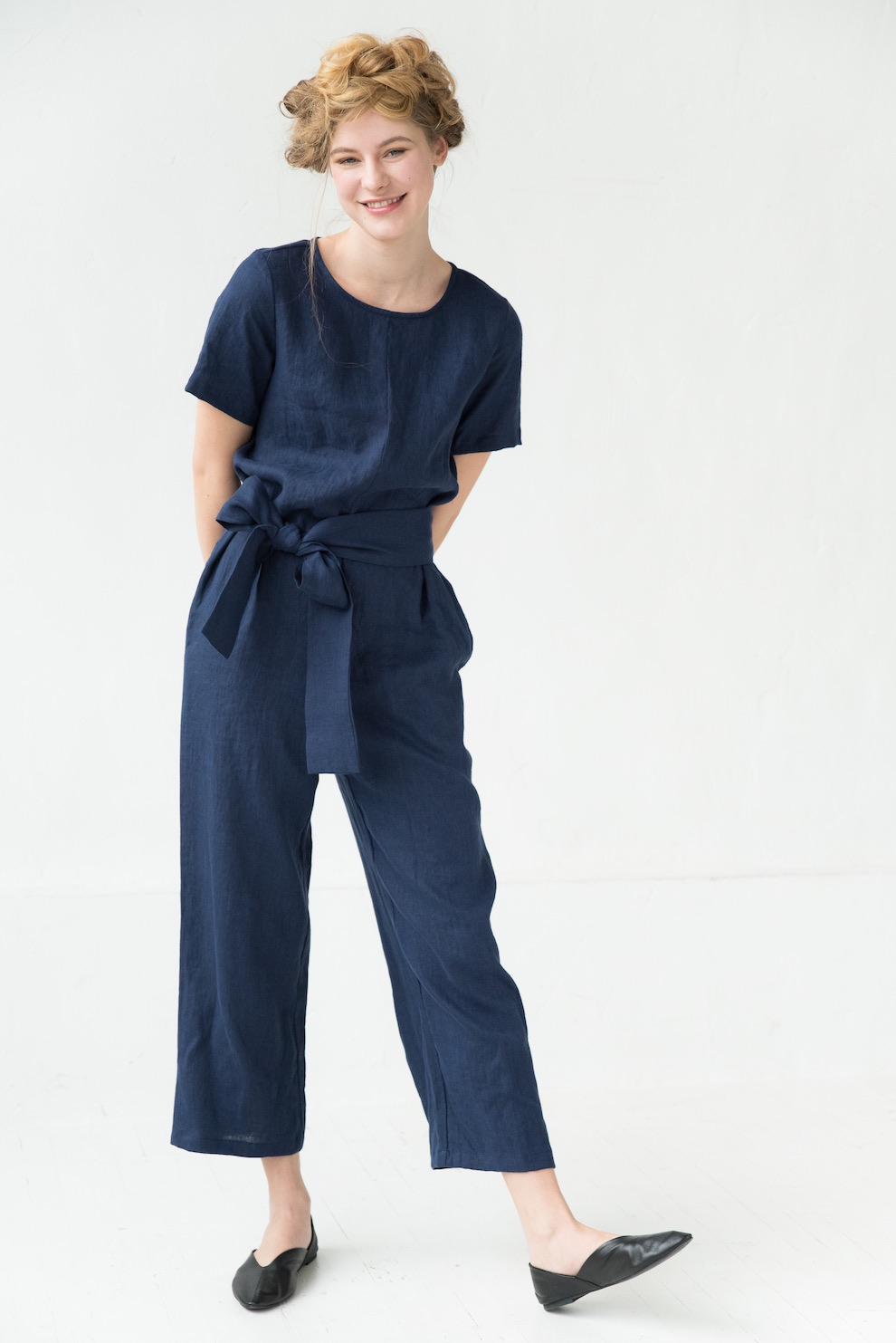 Linen jumpsuit in deep blue AMSTERDAM