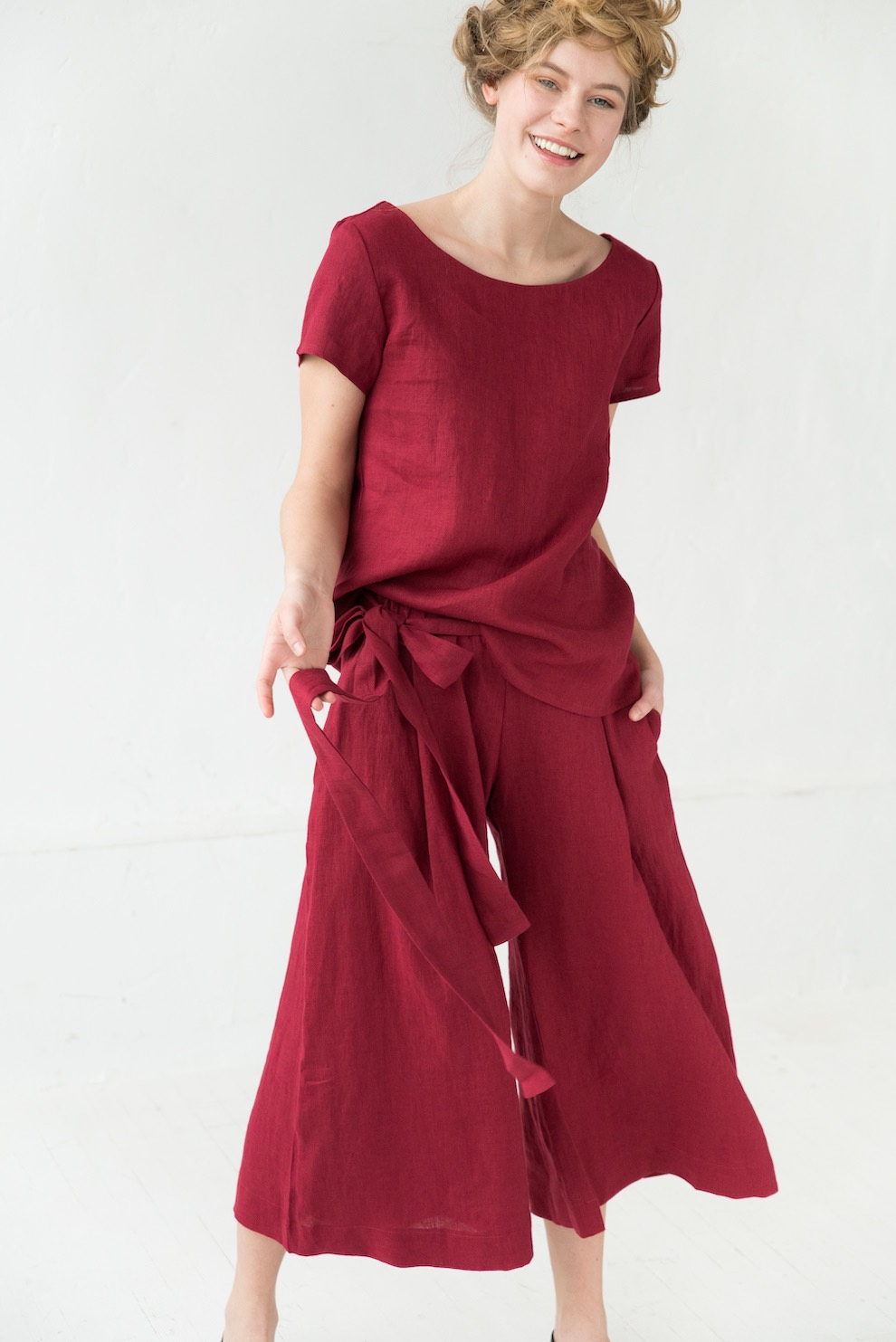 Linen pants in red TREND