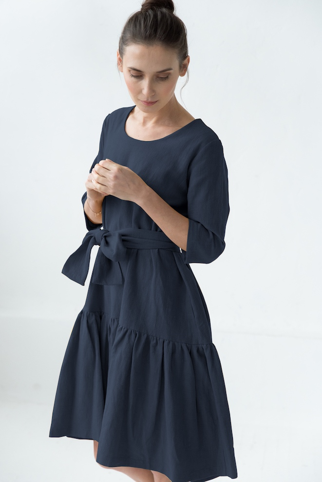 Elegant dress in deep blue MIA