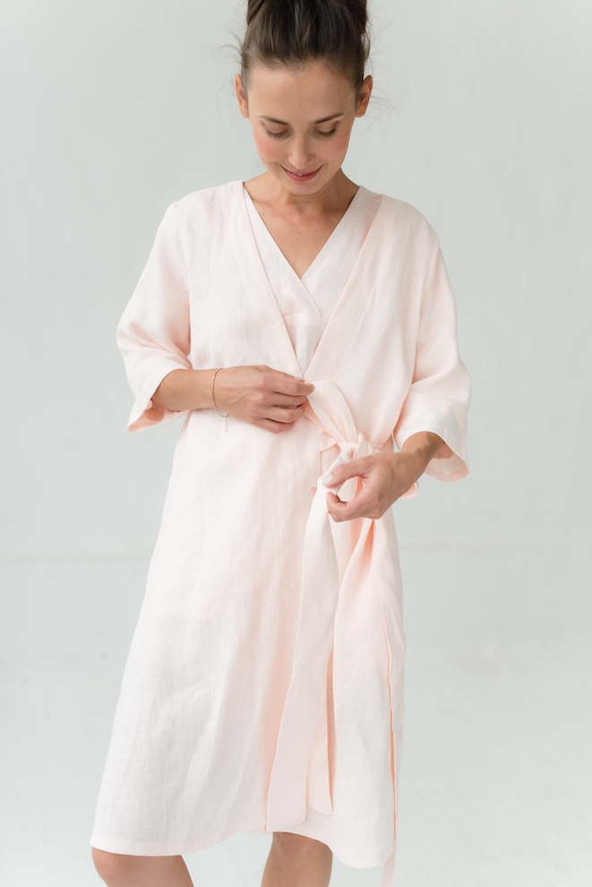 Linen robe in rose COZY HOME