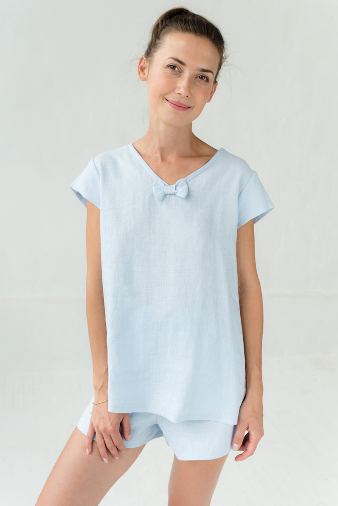 Linen night top in light blue LOVEANDSLEEP
