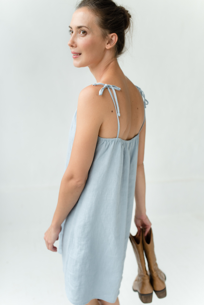 Night robe in blue linen MOON